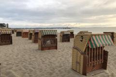 Strand in Scharbeutz Strandkörbe am frühen morgen